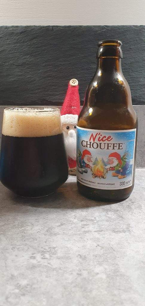 N'ice Chouffe bottle and pour