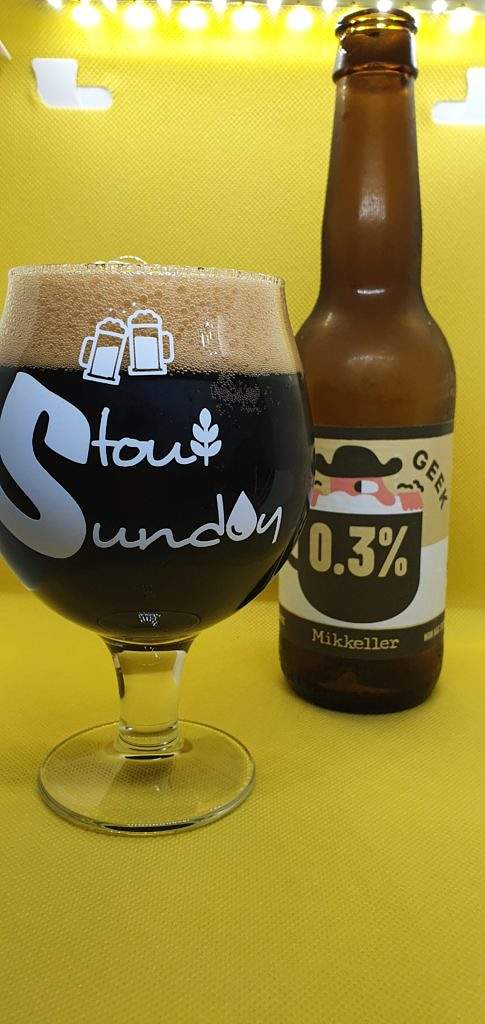 Beer Geek Flat White 0.3% Stout Mikkeller bottle and pour