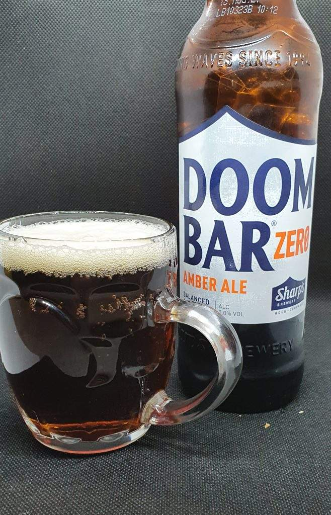 Doom Bar Zero - Bottle and Pour